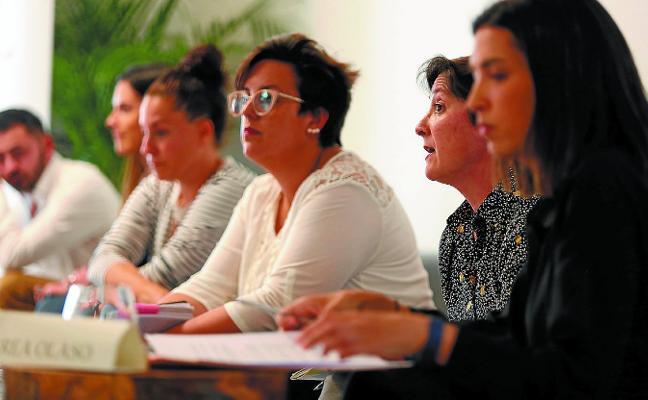 LAS CANDIDATAS PARTICIPARON EN UN DEBATE POR EL FEMINISMO