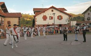 Arizkun acoge mañana el 'Piriniotan dantzan, Mutildantza eguna'
