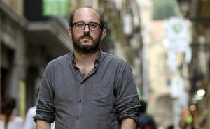 Borja Cobeaga (Guionista y director): «Si hago cine, soy un 'progre', ¿no? Eso dice el cliché»
