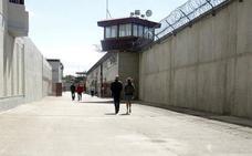 La operación policial no modifica la intención del Gobierno del PSOE de acercar más presos