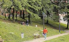Vecinos de Patxiku reivindican que la zona «siga siendo un espacio verde»