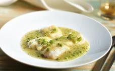 Receta de kokotxas de bacalao con patatas en salsa verde de Martín Berasategui