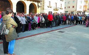 Urnieta muestra su dolor por la muerte del misionero Fernando Hernández
