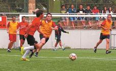 Zabalik dago 7ko futbol eta areto futbol txapelketan izena emateko epea kiroldegian