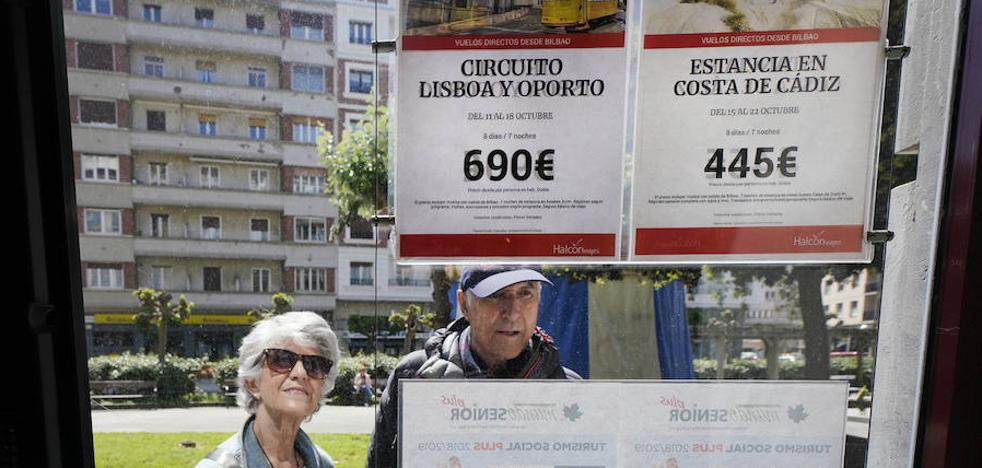 El arranque de temporada de viajes del Imserso para 200.000 pensionistas vascos, en el aire