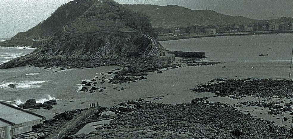 1954 | Ondarreta, ¿«privada de la vista hacia altamar»?