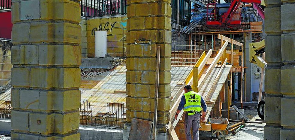 Se reconstruye la escalera de la Estación del Norte, que habrá que tirar para la llegada del TAV