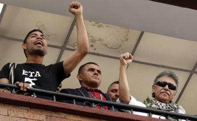 'Timochenko' pide disculpas a España por el uso de una camiseta de ETA en la liberación de Santrich