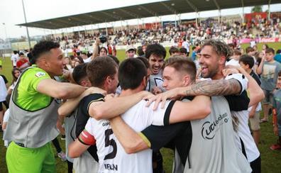 El Real Unión logra la permanencia al imponerse al Jumilla en Gal (2-0)