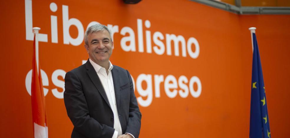 Garicano se descuelga de la línea oficial y avala apoyar a Colau en Barcelona