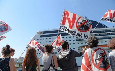 Cuatro heridos al chocar un crucero con otro barco en Venecia