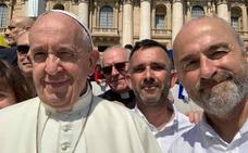 El Papa invita a miembros del Aita Mari a que «sigan trabajando»