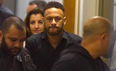 Neymar declara por difundir fotos de la mujer que le acusa de violación