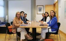 PP y Vox se reúnen de nuevo para avanzar en las negociaciones en la Comunidad de Madrid