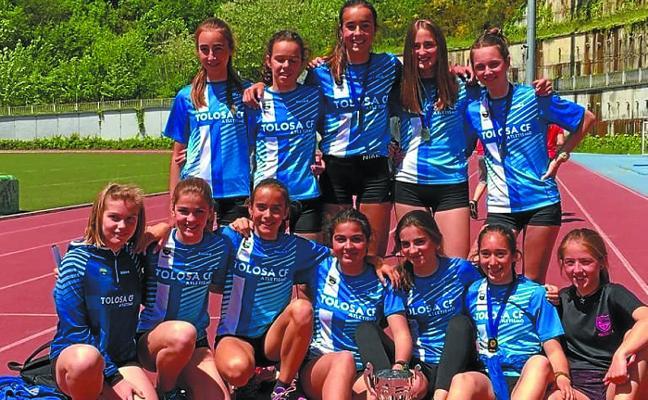 Los atletas infantiles del Tolosa CF, campeones de Gipuzkoa