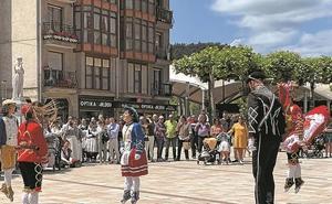 Bailes y herri kirolak en el cierre de los Loinaces