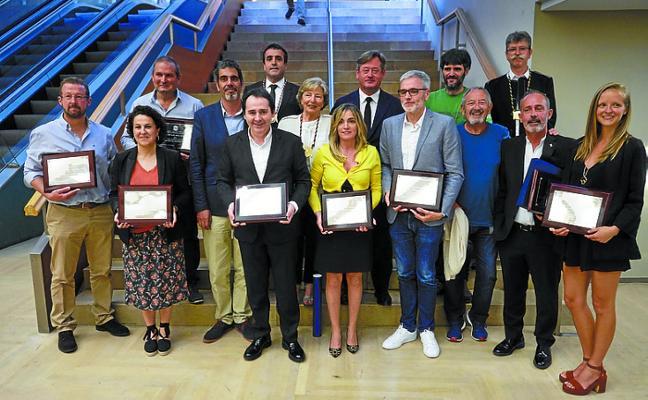 Hiruzta Bodega recibió uno de los Premios Euskadi de Gastronomía