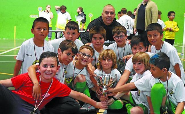 Título de escuelas de fútbol sala para el Eguzki