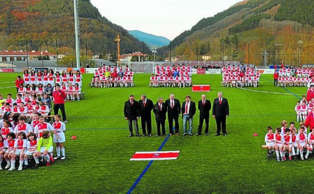 Doneztebe Futbol Taldea celebra su fiesta especial de fin de temporada