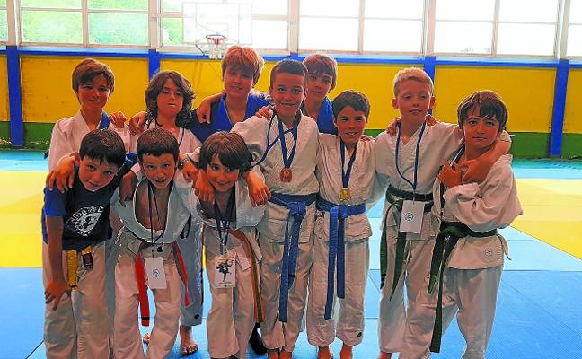 Ioar Olano y Nahia Fernandez, medallistas de Euskadi en judo