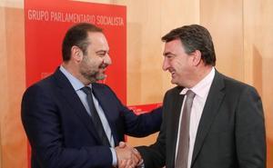 El PNV transmite al PSOE que «de momento» Sánchez no tiene su apoyo para la investidura