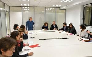 La ausencia de la Diputación en la reunión de residencias lleva a ELA a seguir la huelga