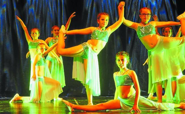 Festival de las alumnas de danza de la Musika Eskola