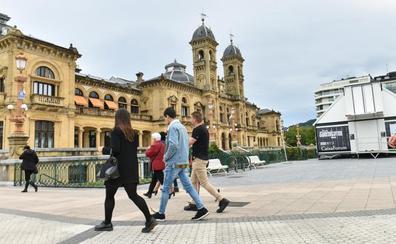 El Ayuntamiento de Donostia cuenta con casi 200 euros menos por habitante que Bilbao