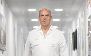 Javier Murgoitio: «La cirugía para la obesidad mejora el físico y también la actitud ante la vida»