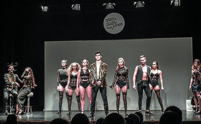 K-baret antzerki musikala, Buero Sarien banaketan egon da Gazteizen