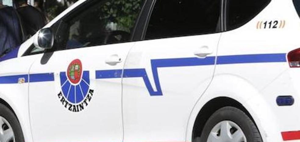 Detenido un joven en Eibar tras agredir y robar un teléfono móvil a un viandante