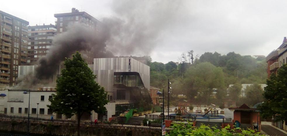 Se incendia el centro de creación cultural Lekuona que se está construyendo en Errenteria