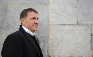 Otegi llama al PSOE a «eliminar vetos» hacia EH Bildu y a articular alianzas de izquierdas en las instituciones