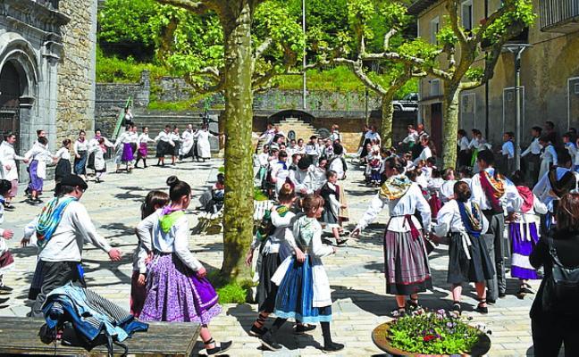 Hilaren 25era arte zabalik dago Sutarri dantza taldean izena emateko epea
