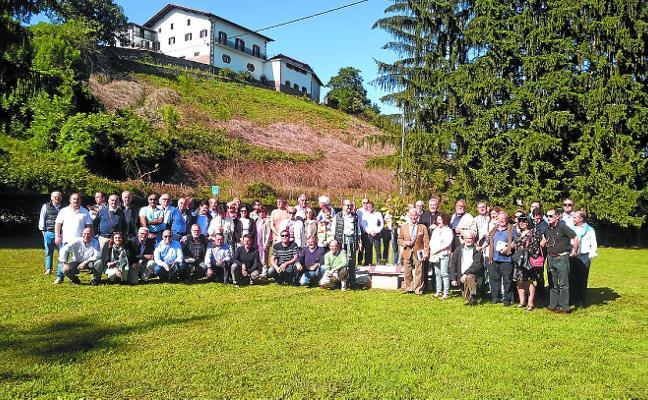 Los excolegiales de Lecároz celebran su asamblea