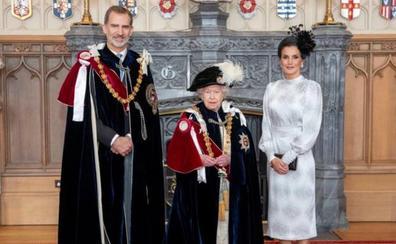 Felipe VI, al servicio de Isabel II