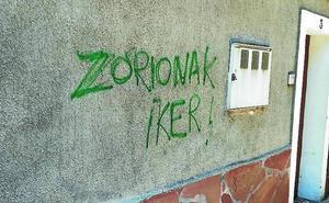 Realizan pintadas en la casa del alcalde jeltzale de Soraluze tras ser reelegido