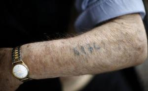 'Auschwitzeko tatuatzailea', milioika irakurle liluratu dituen amodiozko historia