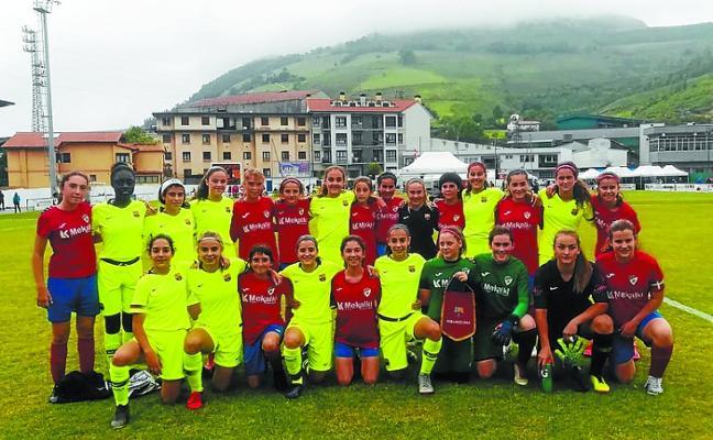 Las infantiles del Aloña llegan hasta los octavos de final de la Azpeitia Cup de fútbol