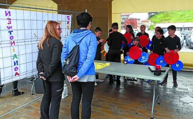 Ikasgeletako lana kalera atera dute San Benitoko ikasleek