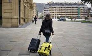 El Gobierno Vasco retoma el diálogo con Eudel para aplicar la tasa turística