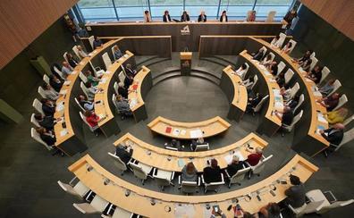 Ezeizabarrena reclama a Madrid y a París que no nieguen la «identidad nacional de Euskadi»