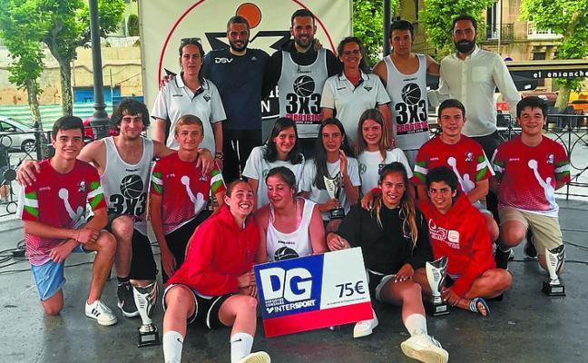 Fiesta del basket callejero en el Ensanche
