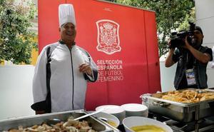 Javier Arbizu, de mal estudiante a cocinero de la Roja tras su paso por la Real Sociedad