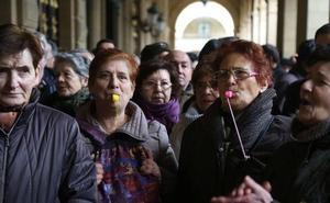 Los trabajadores pobres y los pensionistas frenan el descenso de perceptores de la RGI