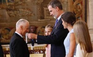 El empresario guipuzcoano Javier Roquero Ussia, condecorado por Felipe VI en el quinto aniversario como Rey