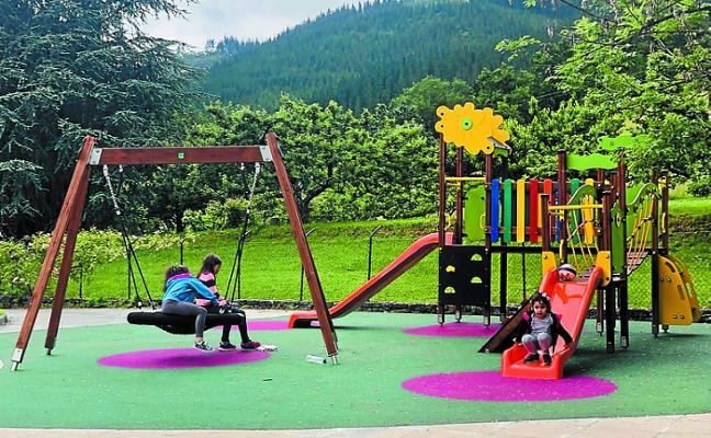 Zubillaga estrena parque infantil y LED