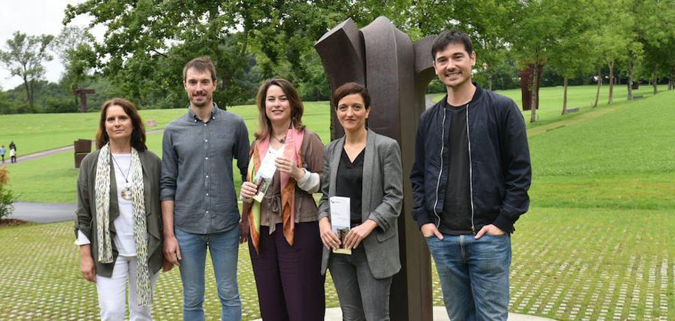 La obra de Chillida volverá a «conectar con el público» en las actividades de verano del museo