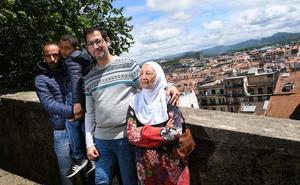 Una experiencia piloto permite la acogida en Euskadi de 29 refugiados sirios
