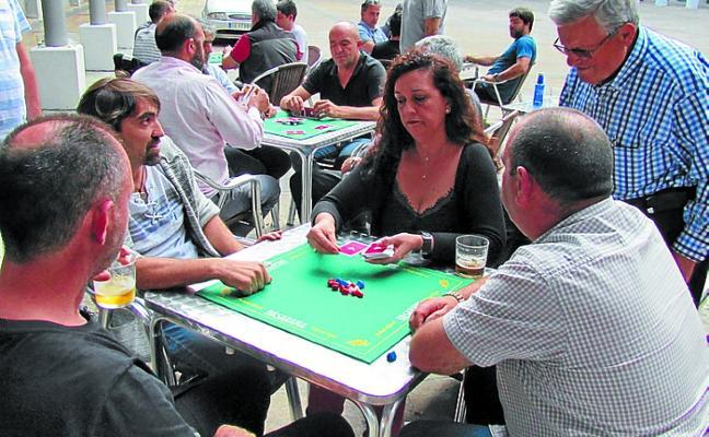 Las txapelas vuelven al 23º Campeonato de Mus de San Juan tras 15 años de ausencia